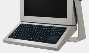 Full travel industrial keyboard with rubber overlay